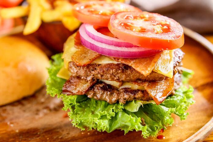 台北美式餐廳推薦,KGB(Kiwi Gourmet Burgers)紐西蘭風味漢堡雙倍肉排漢堡