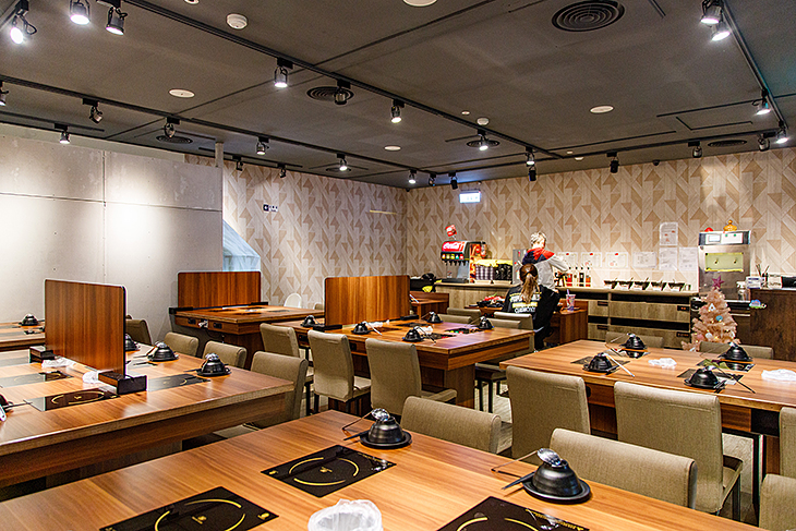 台北學生情侶約會餐廳推薦,極霸鍋物專門店板橋店用餐區