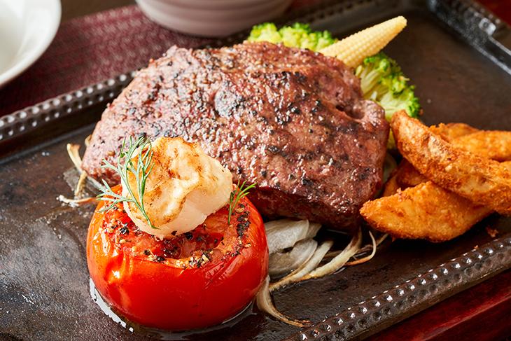 台北學生情侶約會餐廳推薦,TOROS鮮切廚房經典美國牛排佐烤番茄襯香煎北海道干貝