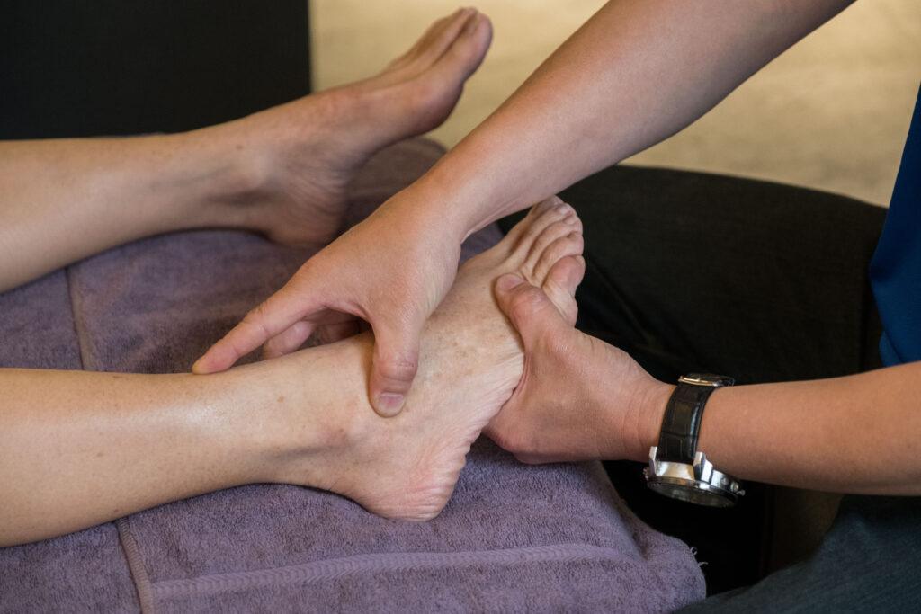 高雄中式按摩推薦,御竹閣足湯養身會館腳底按摩
