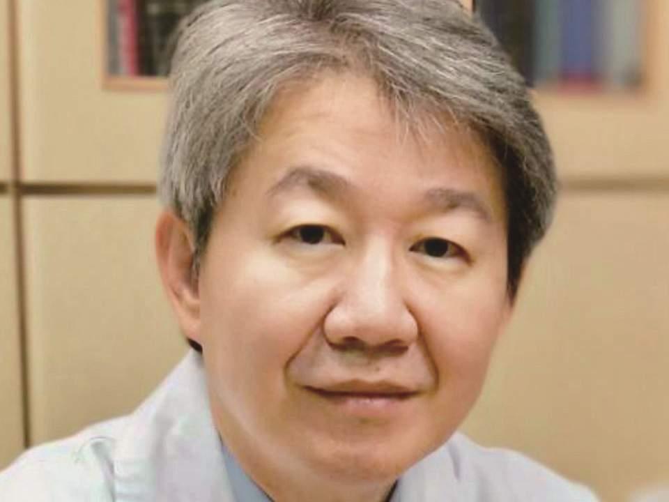 《皮膚美容聰明選:治療前,請先聽聽25位皮膚科專家建議》作者蔡仁雨