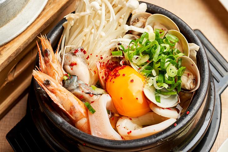 北部 大遠百美食 推薦,遠百板橋主題餐廳:豆腐村 韓國嫩豆腐煲專門店海鮮豆腐鍋