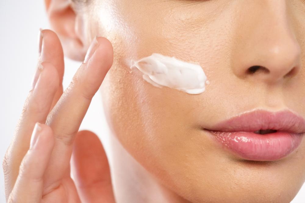 臉部保養 臉部按摩霜使用方式