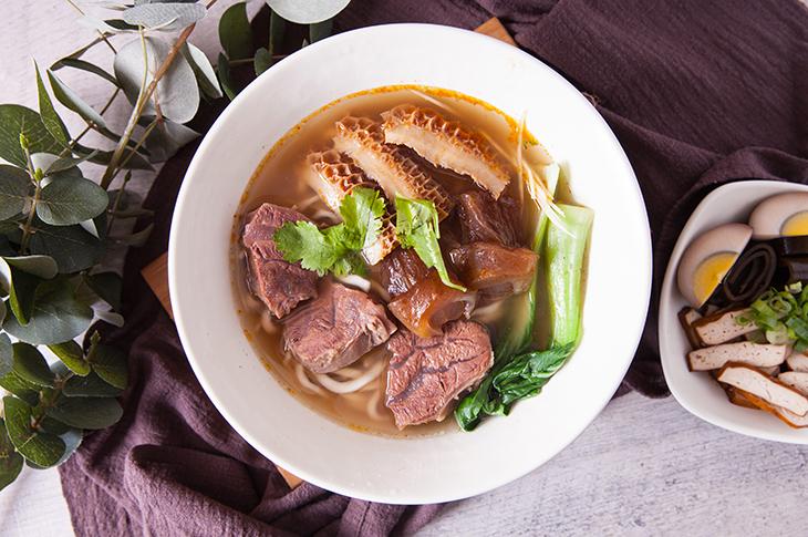 三重美食推薦,大京家傳牛肉麵清燉三寶綜合麵