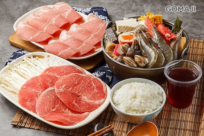 99一品鍋的海陸鍋不但有滿滿的海味鮮甜還有肥美的肉品做搭配。
