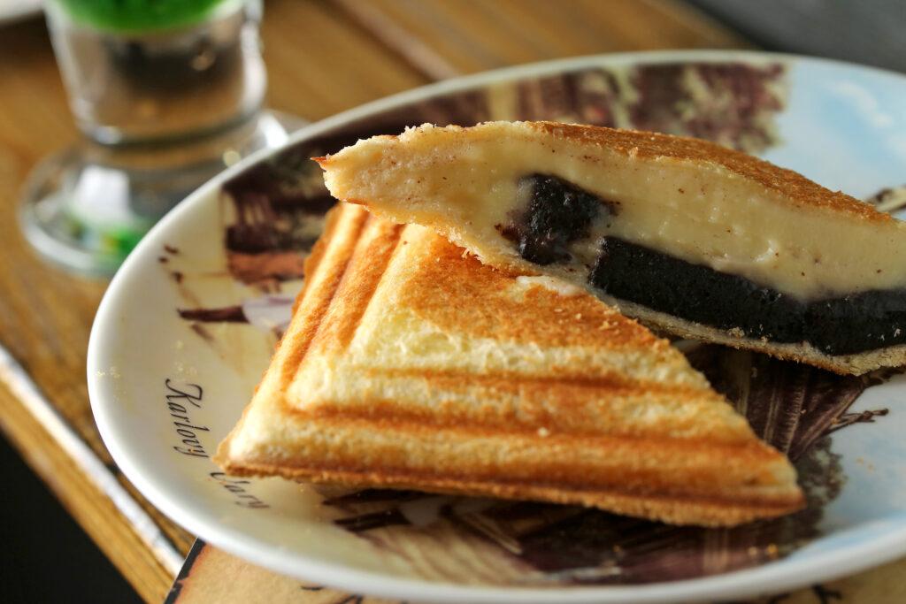 三峽早餐推薦,慢思 Amour.Sacrifice的酒香布朗尼+卡士達熱壓吐司