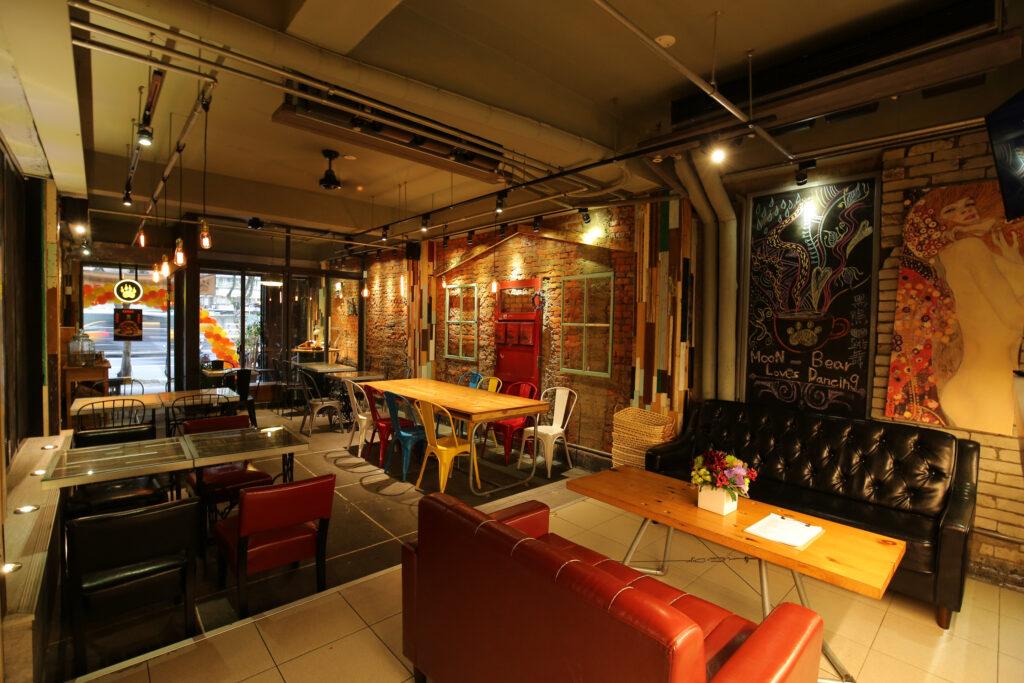 台北美式餐廳 推薦:黑熊愛跳舞的店內裝潢