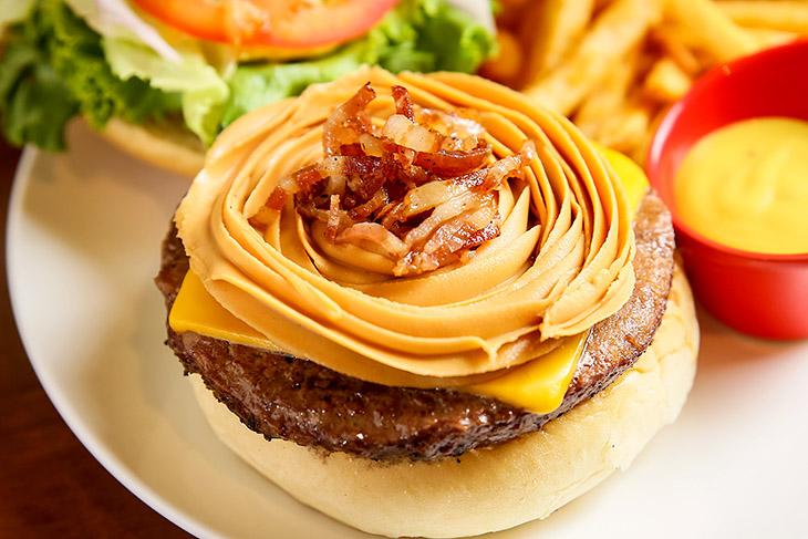 台北美式餐廳 推薦:Bravo Burger發福廚房的花生醬牛肉堡